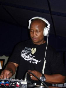 DJ-Fresh-perfoming-in-the-UK