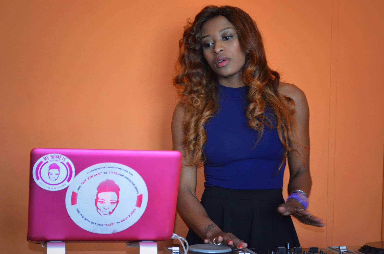 who is dating dj zinhle Nothing says i hate you more than getting blocked on social media it's the ultimate slap in the face, especially if you are a celebrity skolopad became the latest victim of lerato kganyago's block button.